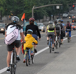 http://www.bike198.com/wp-content/uploads/2008/06/Bike_Commuting-2501.jpg