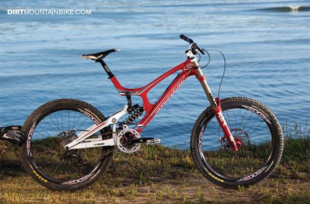 Santa Cruz V10 Carbon DH Mountain Bike